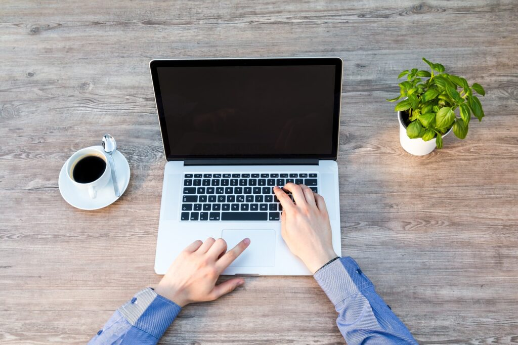 laptop, notebook, work-2443737.jpg